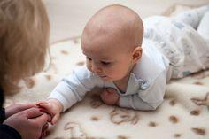 Activités à faire avec bébé de la naissance à 4 mois