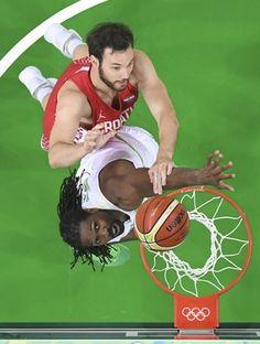 Nenê, basquete Brasil x Croácia (Foto: REUTERS/Mark Ralston/Pool)
