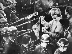 Vietnam war protest outside the Pentagon, 1967
