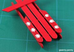Gwenny_Penny_Popsicle_Stick_Sled_Ornament_P.jpg (450×318)