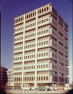 NC MUTUAL BUILDING (411 WEST CHAPEL HILL STREET)