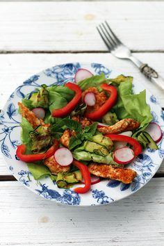 Healthy salad with grilled chicken