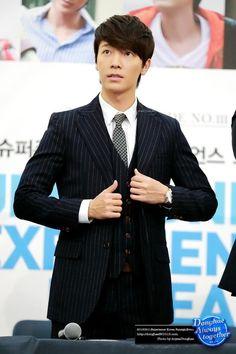 Super Junior - Lee Donghae 생일 축하합니다 <3 15/10/1986