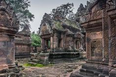 Mandapa, Banteay Srei Photo by Terry Allen — National Geographic Your Shot