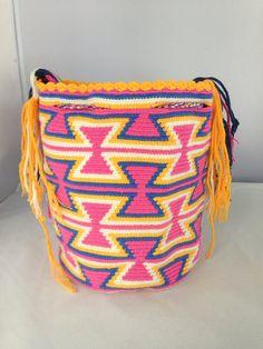 Large Multi-Colored Wayuu Mochila DT339