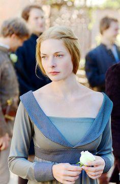 "Rebecca Ferguson as Queen Elizabeth Woodville. ""The White Queen"", Starz, 2013."