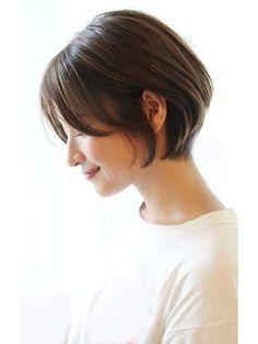 ショートボブ 30代40代に人気シルエットが綺麗なスタイル - 24時間いつでもWEB予約OK!ヘアスタイル10万点以上掲載!お気に入りの髪型、人気のヘアスタイルを探すならKirei Style[キレイスタイル]で。