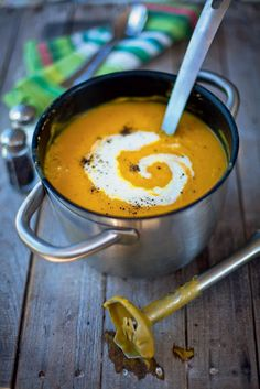 soup It's a classic for a reason! This healthy comfort food is the perfect winter-warmer.It's a classic for a reason! This healthy comfort food is the perfect winter-warmer. Roasted Vegetable Soup, Vegetable Soup Healthy, Vegetable Soup Recipes, Healthy Vegetables, Healthy Soup Recipes, Gourmet Recipes, Cooking Recipes, Cream Of Vegetable Soup, Winter Vegetable Soup