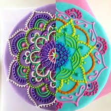 Image result for torta de mandalas Beautiful Birthday Cakes, Beautiful Cakes, Amazing Cakes, Mini Cakes, Cupcake Cakes, Hippie Cake, Mary Birthday, Poppy Cake, Cupcake Tutorial