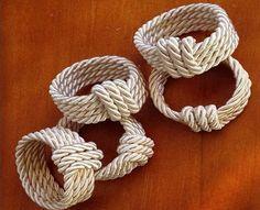 DIY Napkin Holder Tutorials and Inspirations - CaseMe Magazine, # Inspirations . - Napkin Holder DIY Tutorials and Inspirations – CaseMe Magazine, # Inspirations - Rope Crafts, Diy And Crafts, Arts And Crafts, Wooden Napkin Rings, Diy Napkin Rings, Napkin Folding, Diy Rings, Wedding Napkins, Deco Table