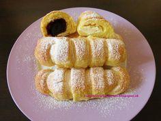 Raspberrybrunette: Kysnuté rohlíčky Veľmi jemné a chutné rohlíčky.Ro... Russian Recipes, French Toast, Bakery, Yummy Food, Breakfast, Sweet, Food Ideas, Basket, Sweet Recipes