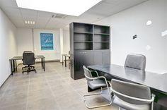 Nivelles zoning Sud, espace bureau de 35m², 2 parkings compris - 380€ - Rue de l'Industrie 17D, 1400 NIVELLES - Nivelles zoning Sud, espace bureau de 35m², 2 emplacements de parking privatifs inclus. PREST immo vous propose un bureau rénové en 2012 dans un espace multi-entreprises, situé dans le Zoning Sud, à 500m des grands axes (Ring R4 vers la RN25 (Wavre), A54 (Charleroi) et la E19 (Bruxelles/Paris), à 3 min du centre-ville et du Shopping de Nivelles, à proximité de snacks, restaurants…