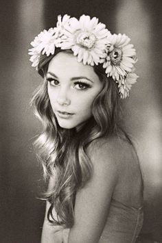 Can't get enough of #boho flower-filled hair