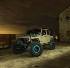 I absolutely love these colors! 4 4 Jeep, Custom Jeep, Wrangler Rubicon, Cool Jeeps, Jeep Stuff, Jeep Truck, Jeep Life, Classic Cars, Monster Trucks