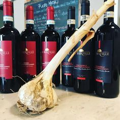 Un grande omaggio ci arriva con dei GRANDISSIMI vini : Nobile e Rosso di Montepulciano dell' azienda Le Bertille!  #lebertille #lebertillewinery #aglione @lebertille