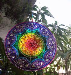 Mandala 7 cores em vidro de 40cm