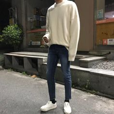 Pin by naomi mitchell on men fashion in 2019 корейская мода, Korean Fashion Minimal, Korean Fashion Men, Boy Fashion, Mens Fashion, Fashion Outfits, Fashion Trends, Korean Men Style, Casual Outfits, Men Casual