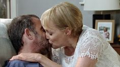 Coronation Street Blog: Preview of tonight's double Corrie - Sally snogs K...