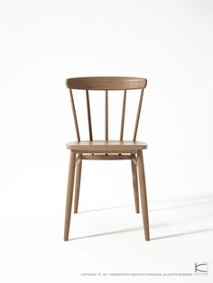 A very elegant and comfortable dining chair familiar to lovers of clean and simplistic designs.  www.karpenter.com #karpenter #furniture #chair #solidwood #solidwood #oak #walnut