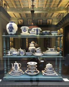 Dish porcelain blue and white