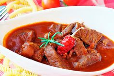 Vindaloo, Sauce Chinoise, Galette Frangipane, Camping Meals, Camping Recipes, Salsa, Pot Roast, Thai Red Curry, Beef