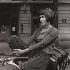 """mindo80: """"Audrey Tautou on the set of Jean-Pierre Jeunet's Le fabuleux destin d'Amélie Poulain (2001) """""""