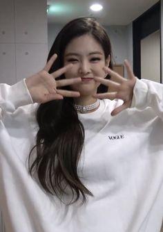 Kim Jennie, Kpop Girl Groups, Korean Girl Groups, Kpop Girls, K Pop, Blackpink Members, Blackpink Photos, Wattpad, Blackpink Jisoo