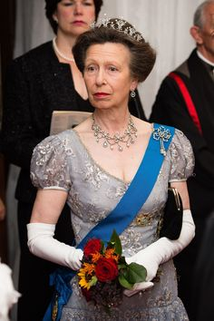 Princess Anne, Princess Royal attends the Lord Mayor's Banquet at the Guildhall during a State visit by the King and Queen of Spain on July 2017 in London, England. This is the first state visit. Get premium, high resolution news photos at Getty Images Royal Princess, Princess Anna, Prince Charles, Palais De Buckingham, Royal Family Portrait, Lady Macbeth, Her Majesty The Queen, Princess Margaret, Royal Jewelry