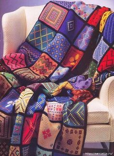 Simple Tunisian crochet squares + embroidery = beautiful crochet afghan AND left-over yarn eater! Crochet Squares, Crochet Afghans, Tunisian Crochet Patterns, Crochet Granny, Knit Crochet, Tunisian Crochet Blanket, Dishcloth Crochet, Afghan Patterns, Lace Patterns