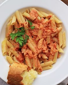 How to Make Delicious Vegan Vodka Cream Sauce: http://onegr.pl/1jz9DT0