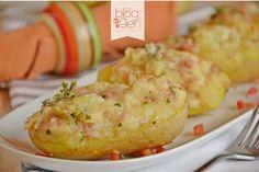 Barchette di patate ripiene con prosciutto cotto e fontina, un delizioso piatto unico o contorno gratinato al forno e reso irresistibile dal formaggio.