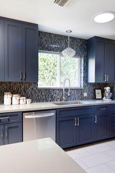 Blue kitchen designs - 15 Impressive Blue Kitchen Paint Cabinet Design You Have To See – Blue kitchen designs Blue Kitchen Designs, Modern Kitchen Design, Interior Design Kitchen, Interior Modern, Blue Kitchen Ideas, Modern Design, Minimal Kitchen, Diy Interior, Modern Kitchen Cabinets