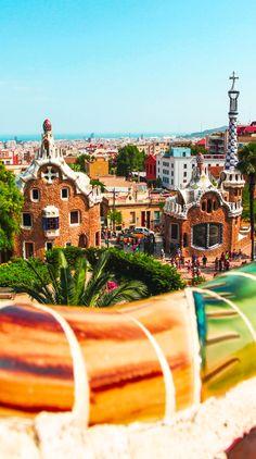 Belleza excepcional del Parque Güell en Barcelona, España | TOP 10 lugares románticos de pasar el Día de San Valentín