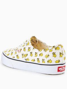 yasss them vans tho✨⍟????@camilleth3model | Vans schuhe