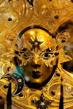 Venice Carnival Venetian Carnival Masks, Carnival Of Venice, Venetian Masquerade, Venice Carnivale, Fractal Art, Fractals, Costume Venitien, Venice Mask, Pierrot
