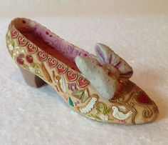 Disney Gallery Snow White Collectible Resin Shoe