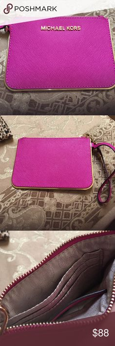 MICHEAL KORS PINK WRISTLET! NEVER USED 💗🎉😍 NEVER USED MICHEAL KORS WRISTLET .Color pink .Size -Small ! 3 pockets inside .great condition Michael Kors Bags Clutches & Wristlets