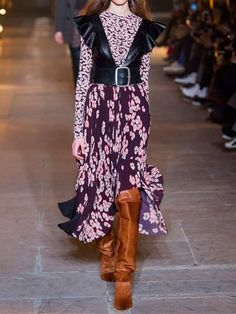Isabel Marant Fall 2017 Ready-to-Wear Collection Photos - Vogue Isabel Marant, Fashion 2018, Fashion Week, Fashion Trends, Fashion Guide, Fashion Show Collection, Vogue Paris, Mannequins, Colorful Fashion