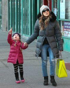 Sarah Jessica Parker - Sarah Jessica Parker Walks Her Girls to School