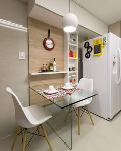 Cozinha básica  simples e funcional mas que amamos. A cadeira Eames Eiffel com pés palito é uma@otima opção pra quem quer dar uma carinha nova a cozinha sem gastar tanto  DECOREDECOR | STYLE | BASIC