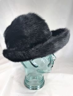 362250e1cb0 A Stunning Vintage Otto Lucas for Debenham   Freebody London Black Fur Hat  with Original Hat Box. EU Size 58