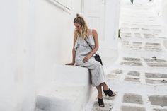 Leinenkleid, Ganni, Volants, Circle Bag, Mules, Posse, Zara, Look, Style, ootd, Summer, Mykonos, Fashion, Inspiration, Blog, stryleTZ