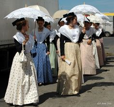 L'Arlésienne entre Rhône et Mistral - Culture - Citizenside France French Costume, Costumes Around The World, Sainte Marie, Visit France, French Countryside, The Fam, Old World Charm, Folk Costume, French Riviera