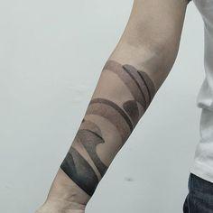 By @plebeyboy #ttt #tattooing #tattoo #contemporarytattooing #sangbleu #tatouage #inked #sangbleumagazine #TTTpublishing www.sangbleu.club/shop/publications/