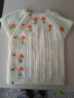 baby-strickweste-simple-embroidery-on-a-simple-vest-baby-stricken/ - The world's most private search engine Knitting For Kids, Easy Knitting, Crochet For Kids, Baby Knitting Patterns, Knitting Projects, Crochet Patterns, Raglan Pullover, Simple Embroidery, Crochet Baby Clothes