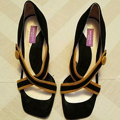 EMILIO PUCCI SHOES EMILIO PUCCI MADE IN ITALY BLACK WITH GOLD OPEN TOE PUMPS BLACK SUEDE  SIZE7.5 GREAT CONDITION  WORN TWICE  EXTREMELY CLASSY Emilio Pucci Shoes Heels