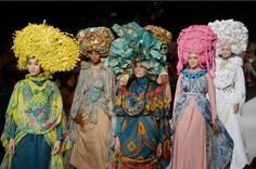 Models display Muslim themed outfits designed by Indonesian designer Fenny Mustafa at Jakarta Fashion Week. Turban, Jakarta Fashion Week, Moslem Fashion, My Bookmarks, Themed Outfits, Consumerism, Top Of The World, Headgear, High Fashion