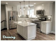 23 Charming Cottage Kitchen Design and Decorating Ideas that Will Bring Coziness to Your Home - The Trending House Kitchen Redo, New Kitchen, Kitchen Dining, Kitchen Ideas, 10x10 Kitchen, Kitchen Tables, Kitchen Interior, Home Renovation, Home Remodeling