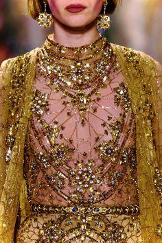 "notordinaryfashion: Elie Saab S/S 2017 Haute. - liu-lang notordinaryfashion: Elie Saab S/S 2017 Haute Couture"", ""pinner"": {""username"": ""first_name"": ""afallahsiham"", ""domain_url"": null, ""is_default_image"": true, ""image_medium_url"":. Fashion 2017, Look Fashion, Fashion Details, Runway Fashion, High Fashion, Fashion Show, Womens Fashion, Fashion Design, Net Fashion"