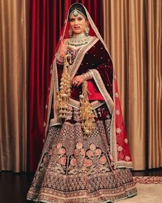New Screen sabyasachi Bridal Gowns Concepts Bathing room your wedding outfit could be the single most enjoyable jobs you can previously embark o Royal Indian Wedding, Indian Wedding Poses, Indian Wedding Photography, Indian Weddings, Gothic Wedding, Sabyasachi Lehenga Bridal, Indian Bridal Lehenga, Gold Lehenga, Anarkali